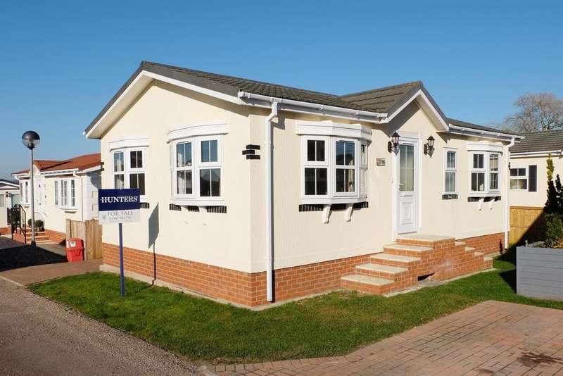 2 Bedrooms Park Home Mobile Home for sale in Greenacres Park, Spilsby Road, Horncastle, LN9 6NJ