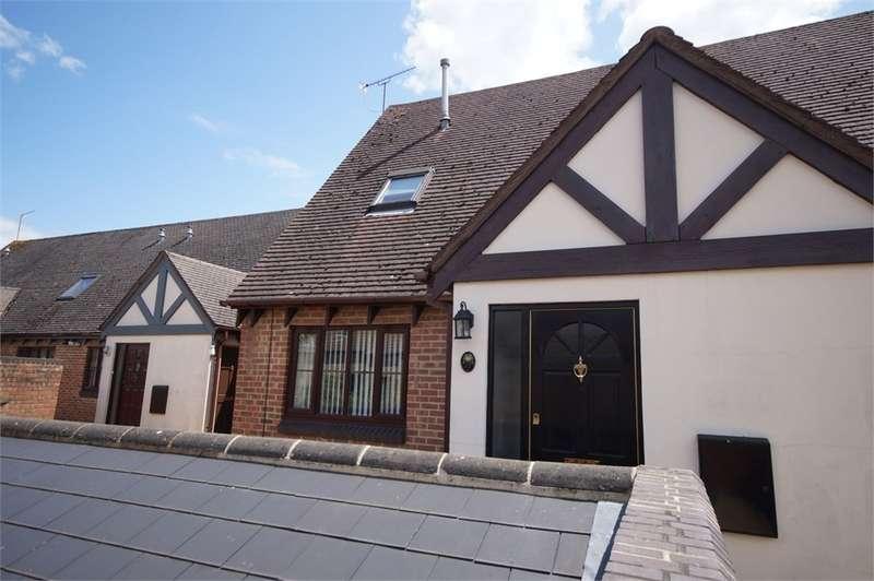 2 Bedrooms Maisonette Flat for sale in Maiden Lane Centre, Lower Earley, READING, Berkshire