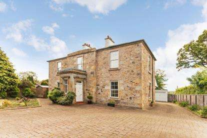 5 Bedrooms Detached House for sale in Main Road, Fairlie