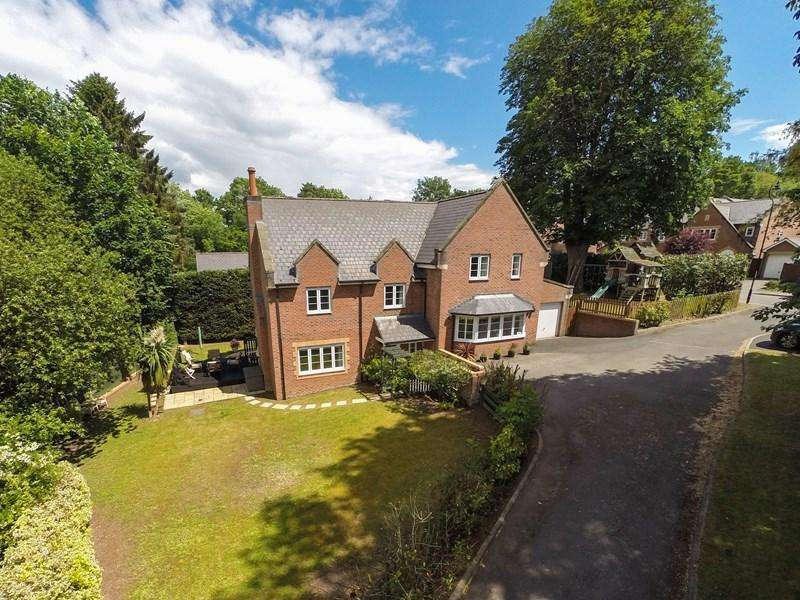 5 Bedrooms Detached House for sale in Chestnut Drive, Abergavenny