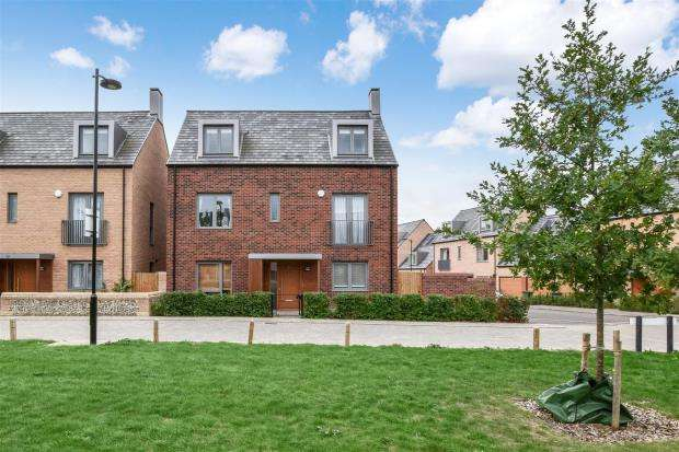 5 Bedrooms Detached House for sale in Proctor Drive, Trumpington, Cambridge