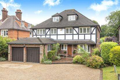 Detached House for sale in Commonside, Keston