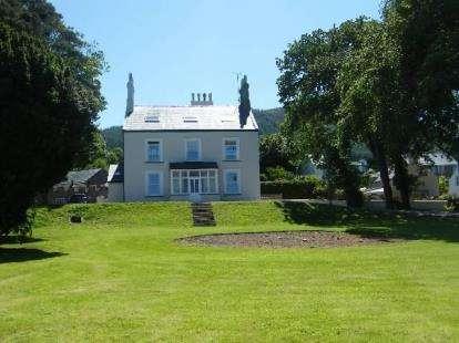 8 Bedrooms Detached House for sale in Y Fron, Nefyn, Pwllheli, Gwynedd, LL53