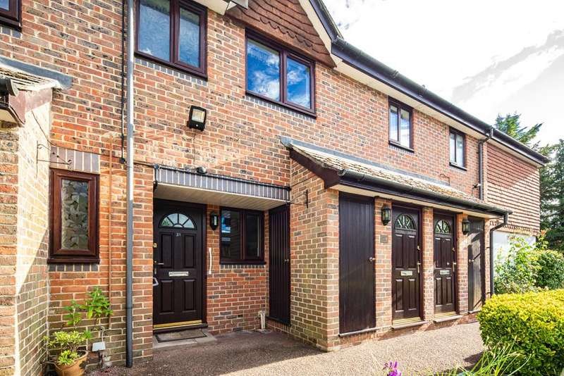 1 Bedroom Flat for sale in 33 Waltham Court, Goring on Thames, RG8