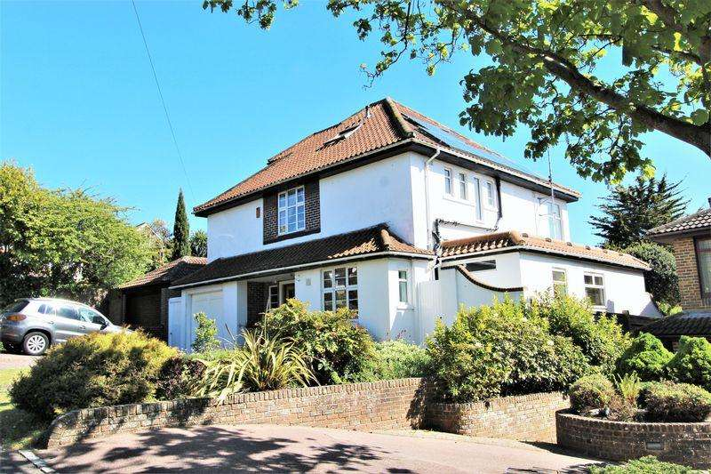 5 Bedrooms Detached House for sale in Peacock Lane, Brighton