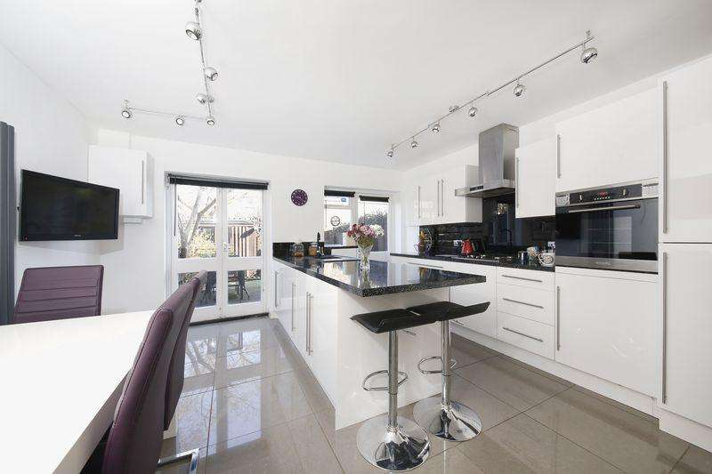 4 Bedrooms Terraced House for sale in Dartmouth Hill, Greenwich, SE10