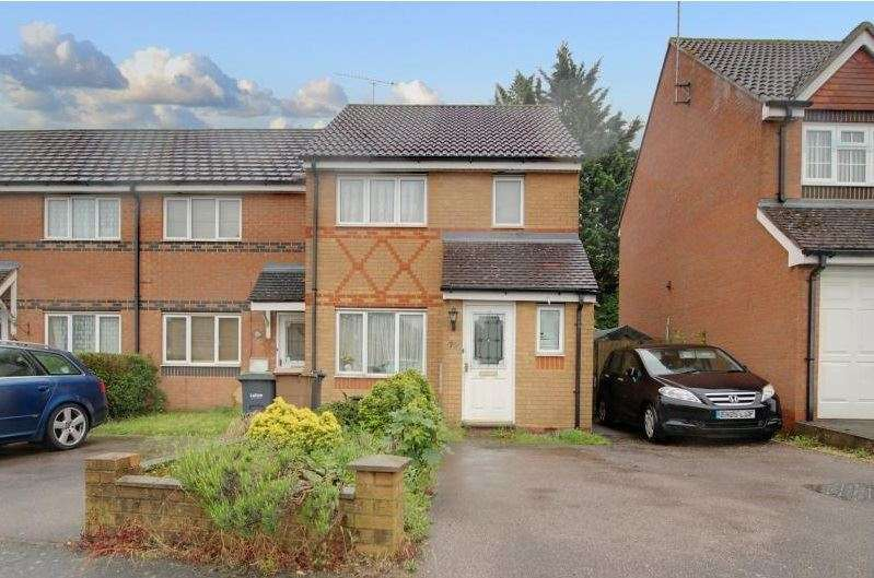 3 Bedrooms Property for sale in Villiers Close, Luton, Bedfordshire, LU4 9FR
