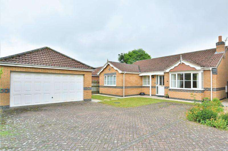 3 Bedrooms Detached Bungalow for sale in Milton Close, Cherry Willingham, Lincoln