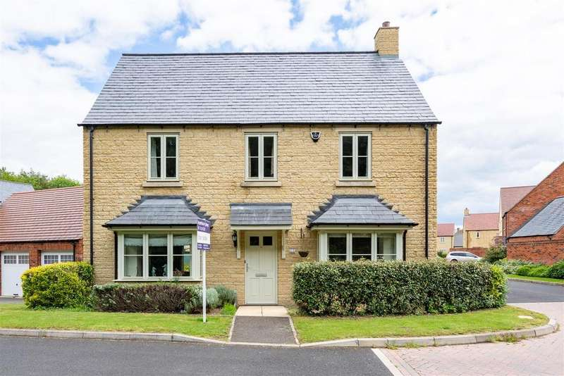 5 Bedrooms Detached House for sale in Trubshaw Way, Moreton in Marsh, Gloucestershire