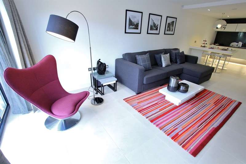 2 Bedrooms Apartment Flat for sale in Severn Quay, Chepstow