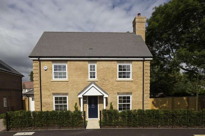 4 Bedrooms Detached House for sale in The Street, Mortimer, Reading, RG7