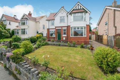 5 Bedrooms Detached House for sale in Holyrood Avenue, Old Colwyn, Colwyn Bay, Conwy, LL29