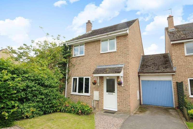 3 Bedrooms House for rent in Cogges, Witney, OX28