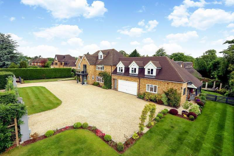 6 Bedrooms Detached House for sale in Drews Park, Knotty Green, Beaconsfield, HP9