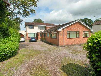 5 Bedrooms Detached House for sale in The Runnell, Neston, Cheshire, CH64