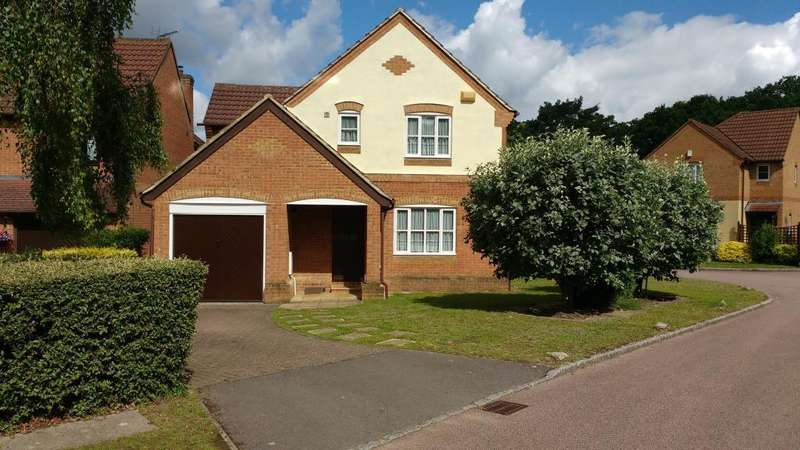 3 Bedrooms Detached House for sale in Winkfield Row, Berkshire, RG42