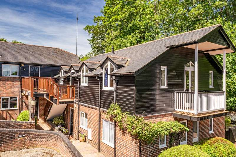 2 Bedrooms Apartment Flat for sale in 8 The Old Forge, Streatley on Thames, RG8