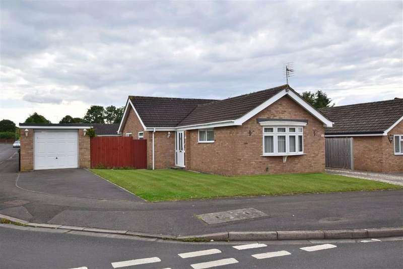 3 Bedrooms Bungalow for sale in The Lawns, Abbeydale, Gloucester