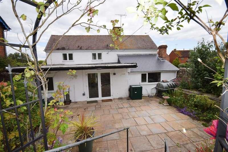 4 Bedrooms Detached House for sale in High Street, Arlingham, Gloucester