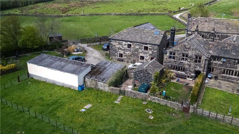 6 Bedrooms Unique Property for sale in Higher Ashes Farm, Ashes Lane, Todmorden, West Yorkshire