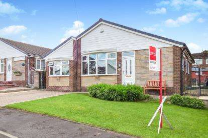 3 Bedrooms Bungalow for sale in Cedar Grove, Dukinfield, Greater Manchester, United Kingdom