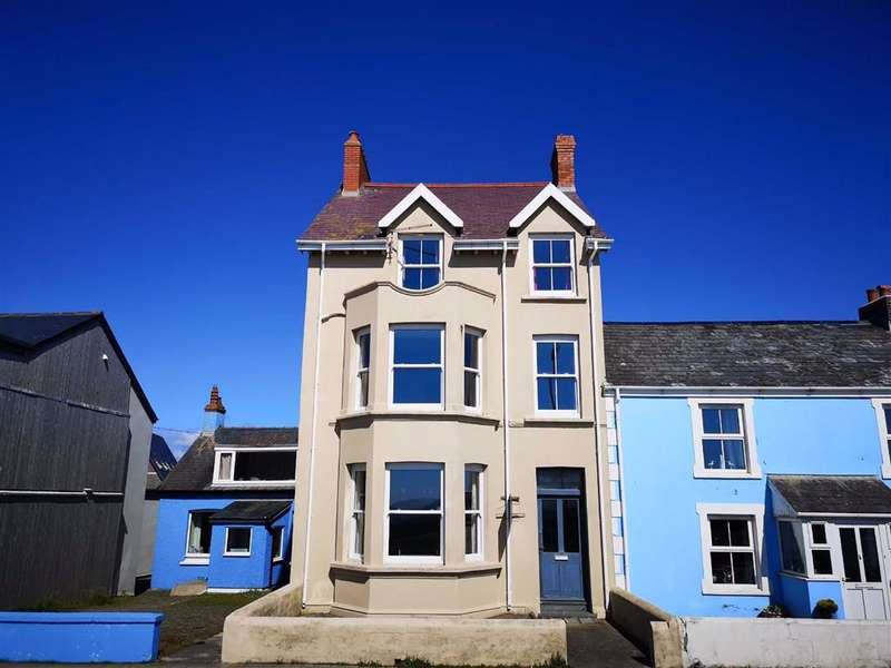 5 Bedrooms Semi Detached House for sale in High Street, Borth