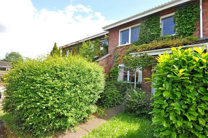 3 Bedrooms Terraced House for sale in Cheltenham, Gloucestershire