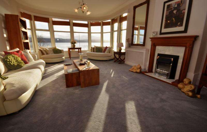 3 Bedrooms Apartment Flat for sale in 153 Alexandra Parade, Dunoon, Argyll, PA23