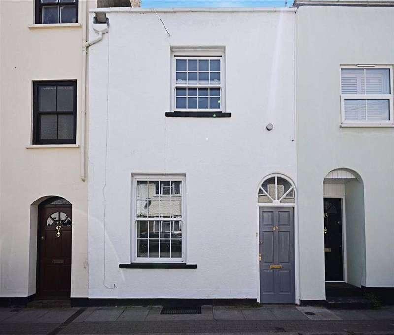 2 Bedrooms Terraced House for sale in Sherborne Street, Cheltenham, Gloucestershire