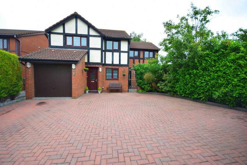 4 Bedrooms Detached House for sale in Fallowfield Close, Wesham