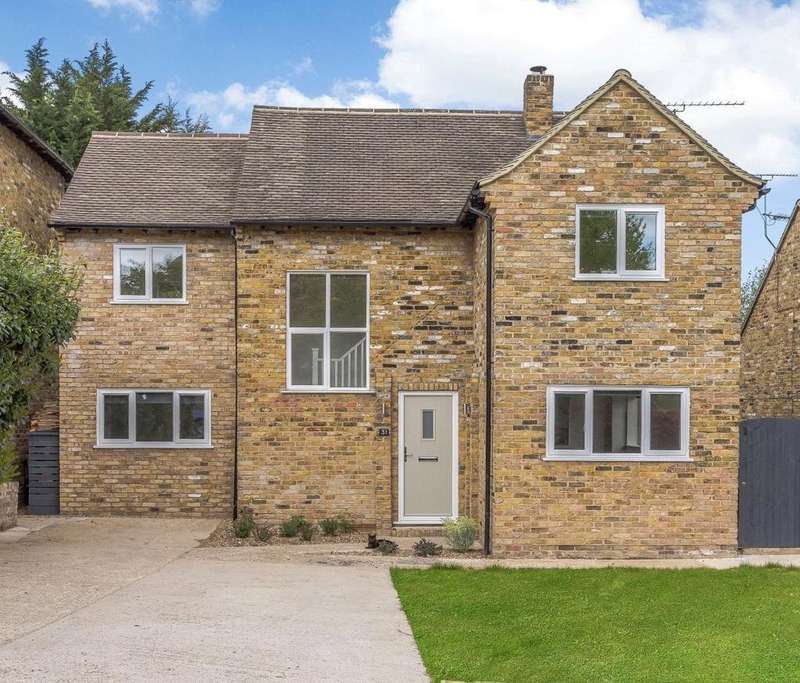 5 Bedrooms Detached House for sale in St. James Close, Pangbourne, Reading