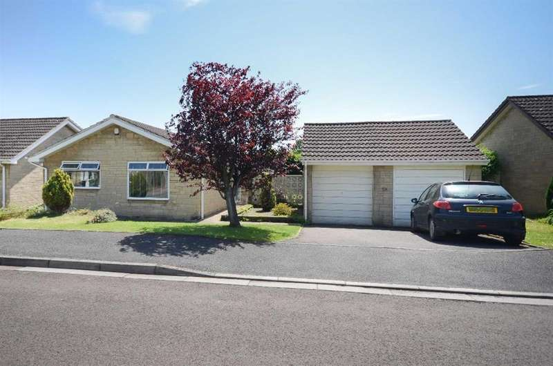 3 Bedrooms Detached Bungalow for sale in Penn Drive, Frenchay, Bristol, BS16 1NN