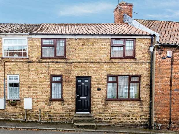 3 Bedrooms Terraced House for sale in North Street, Caistor, Market Rasen, Lincolnshire