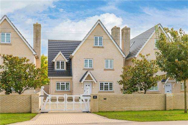 6 Bedrooms Detached House for sale in Azure House, Red Lodge, Bury St. Edmunds