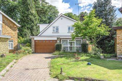 5 Bedrooms Detached House for sale in Merewood Close, Bromley