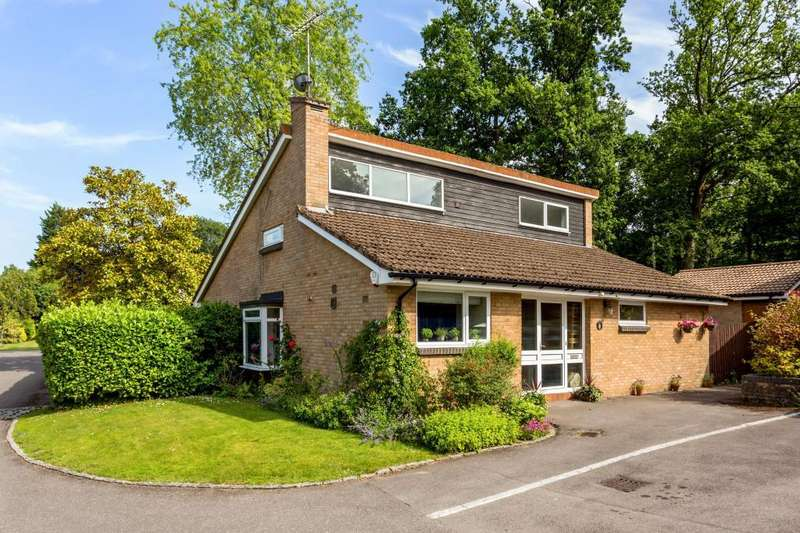 4 Bedrooms Detached House for sale in Burleigh Lane, Ascot