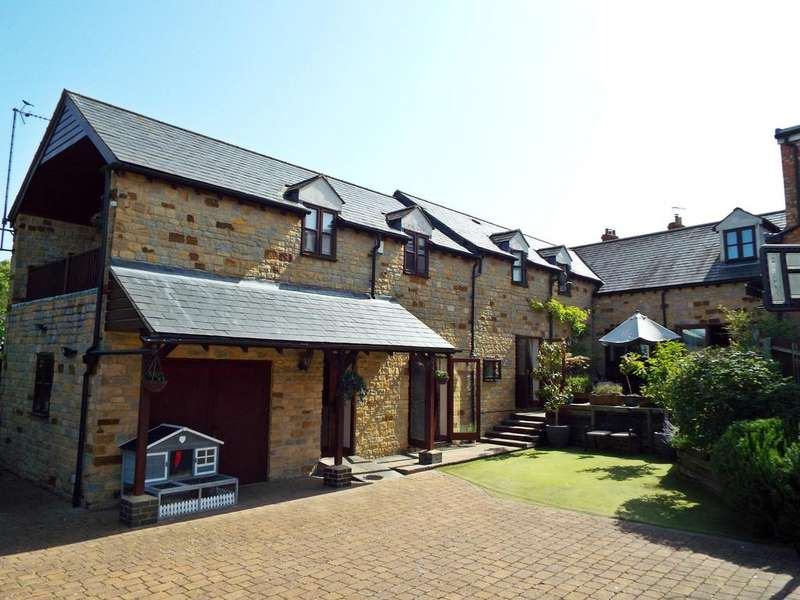 4 Bedrooms Barn Conversion Character Property for sale in High Street, Wollaston, Northamptonshire, NN297QE