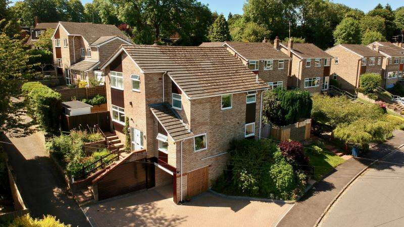 4 Bedrooms Detached House for sale in Wychwood Rise, Great Missenden