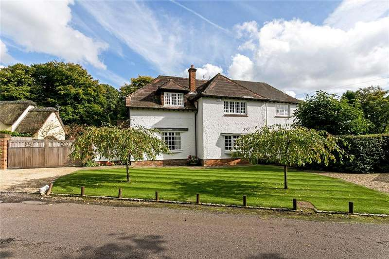 5 Bedrooms Detached House for sale in Common Lane, Littleworth Common, Burnham, Buckinghamshire, SL1