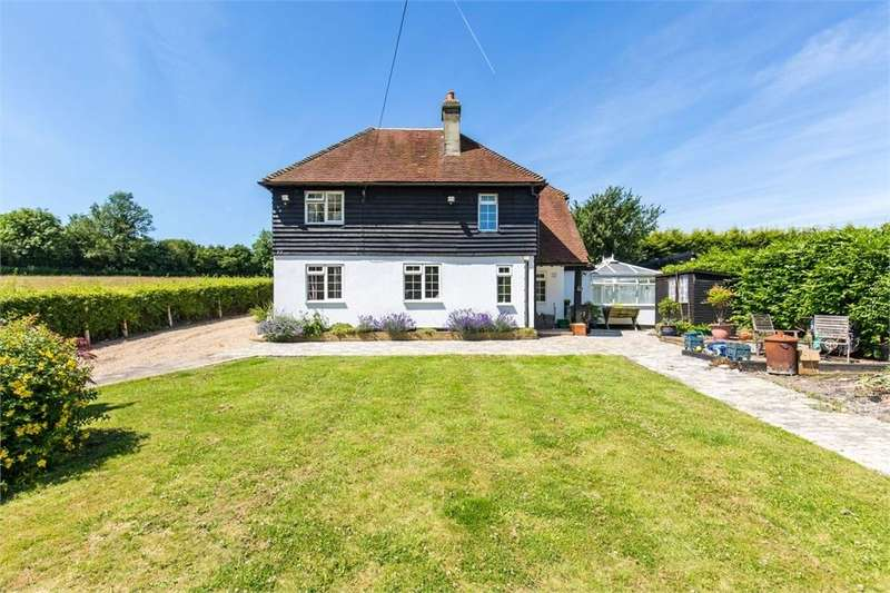 3 Bedrooms Detached House for sale in Lower Pillory Down, Little Woodcote Estate, CARSHALTON, Surrey