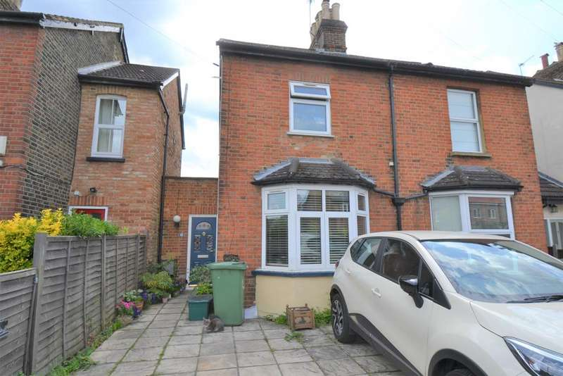 3 Bedrooms Semi Detached House for sale in Victoria Place, Epsom KT17