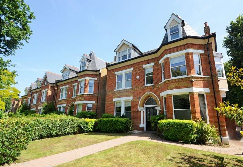 6 Bedrooms Detached House for sale in Mattock Lane, Ealing, W5 5BJ