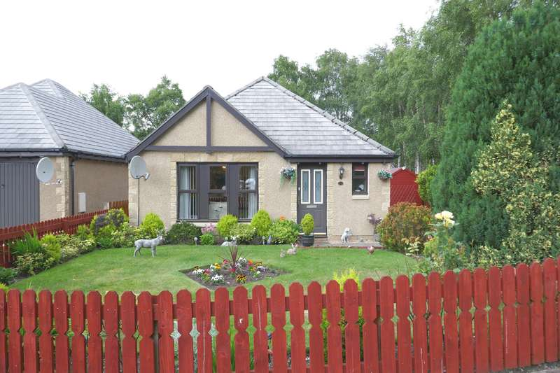 3 Bedrooms Bungalow for sale in Carn Mor, Aviemore, PH22 1LF