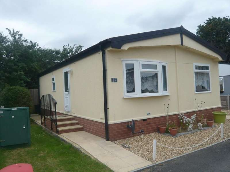 2 Bedrooms Detached Bungalow for sale in Sunnyfield Lane, Up Hatherley
