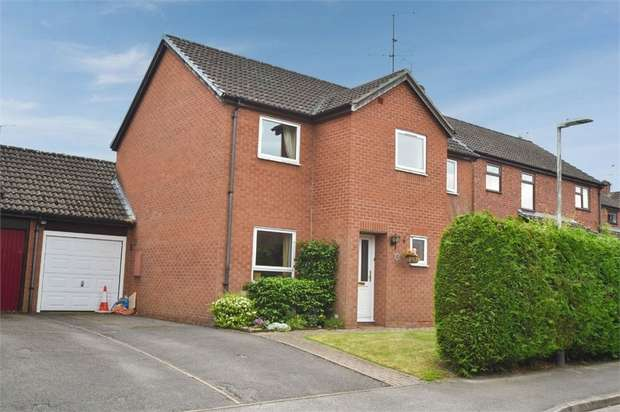4 Bedrooms Semi Detached House for sale in Valley Road, Burghfield Common, Reading, Berkshire