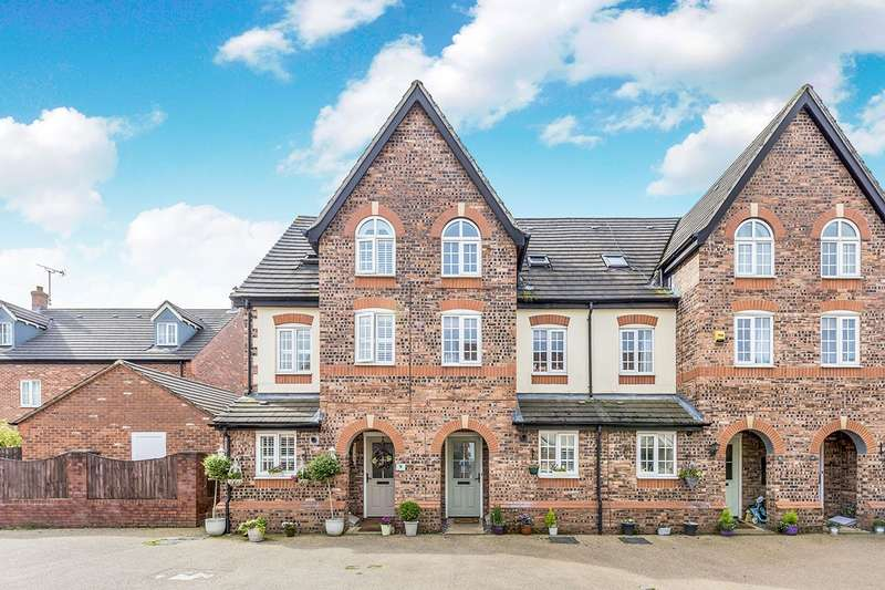 3 Bedrooms Semi Detached House for sale in Pennymoor Drive, Middlewich, Cheshire, CW10