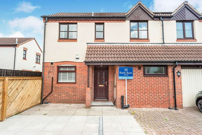 2 Bedrooms Semi Detached House for sale in Marine Wharf, Hull, HU1