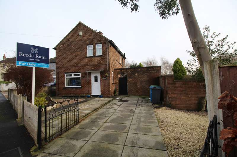 3 Bedrooms Detached House for sale in Lytham Road, Widnes, Cheshire, WA8