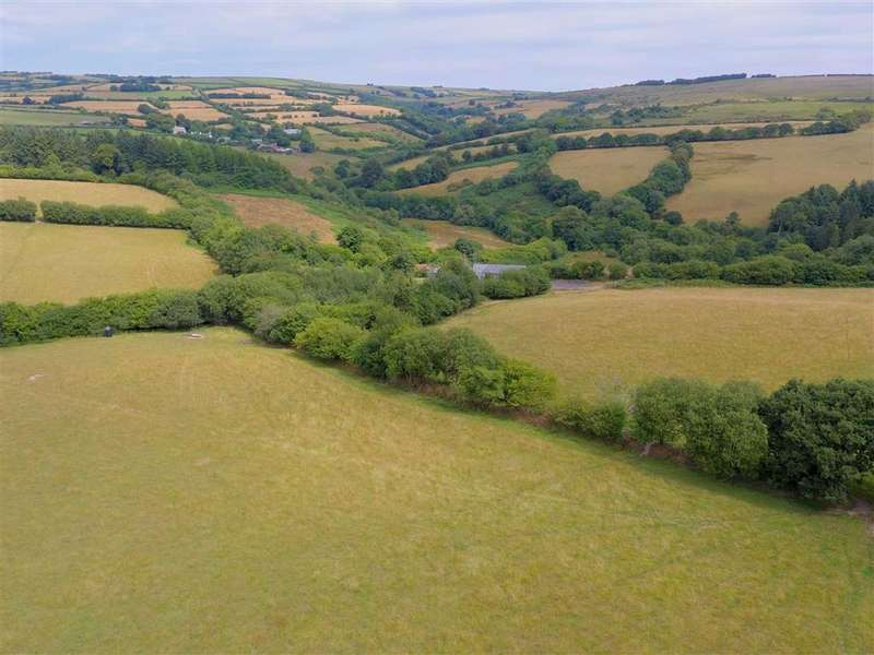 3 Bedrooms Detached House for sale in Edge of Exmoor, South Molton, Devon, EX36