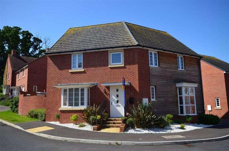 4 Bedrooms Detached House for sale in Oldfield Road, Brockworth